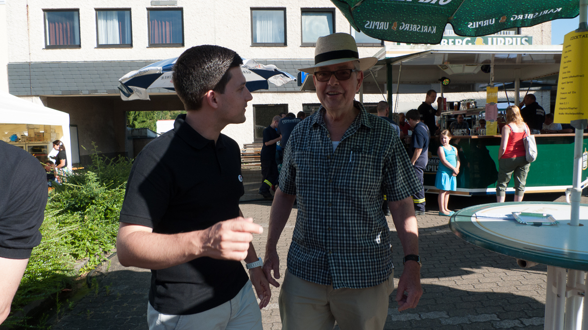 Sebastian Greiber bei der Eröffnung des Feuerwehrfest in Hostenbach.