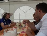 Der Berg- und Hüttenarbeiterverein Sankt Barbara-Werbeln lud für Sonntag, 11. August, zu seinem Sommerfest an der Pfarrkirche ein. Beginn war um 10 Uhr mit einem Frühschoppen. Auch Sebastian Greiber besuchte das Sommerfest und nutzte die Gelegenheit mit einigen Mitbürgern ins Gespräch zu kommen.