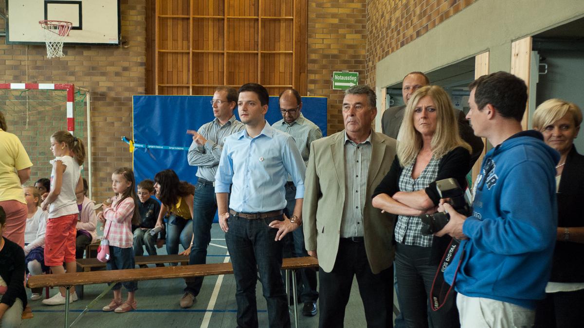 Zum Start der neuen gebundenen Ganztagsschule in Wadgassen war natürlich auch der freie Bürgermeister Kandidat Sebastian Greiber dabei. Vor vielen Jahren hat er in der Schulkonferenz den Weg zu diesem Schritt mit vorbereitet.
