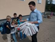 Auch unsere Grundschüler lieben Ihren Heimatort. Daher gab es vom freien Bürgermeister Kandidat Sebastian Greiber zum Schulbeginn für alle Grundschüler eine 'I love Wadgassen' Tüte.