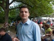 Der freie Bürgermeister Kandidat Sebastian Greiber beim Pfarrfest der Pfarrei Maria Heimsuchung in Wadgassen