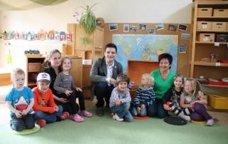 Bürgermeister Greiber besucht die KiTa Regenbogen in Differten