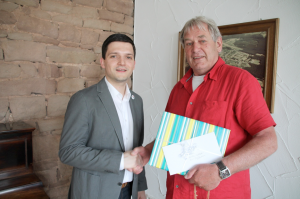 Bürgermeister Greiber gratuliert Ortsvorsteher Collet zum 70. Geburtstag