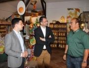 Bürgermeister Greiber und Umweltminister Jost zu Besuch beim Geflügelhof von Gerd Lorson