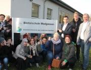 Bürgermeister Greiber unterstützt mit dem 1. Beigeordneten René Schmidt und Ortsvorsteher Erich Collet die Schüler und Eltern der Bisttalschule gegen die Schliessung