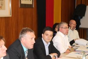 Landrat Lauer erläutert die Standortschließung der Bisttalschule in Differten