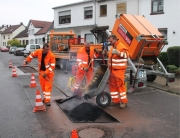 Die Schlaglöcher in Wadgassen werden repariert