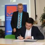 Landrat Lauer & Bürgermeister Greiber unterzeichnen Vereinbarung zum Energienetzwerk Saarlouis