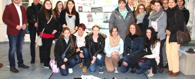 TGSBBZ Saarlouis besucht die Ausstellung Terror trifft Kunst in Wadgassen