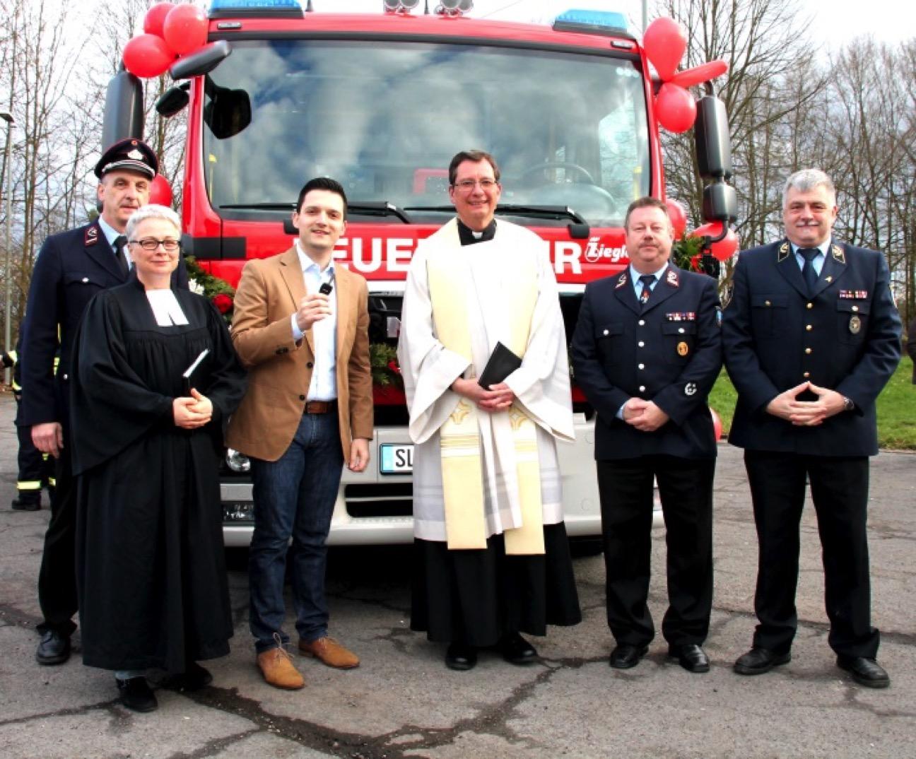 Bürgermeister Greiber übergibt den neuen MLF an die Feuerwehr Friedrichweiler