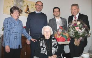Friederika Schirra feiert Ihren 100. Geburtstag