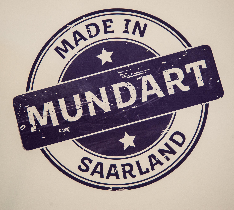 Mundart - made in Saarland -  eine Ausstellung mit Texten und Bildern im Wadgasser Zeitungsmuseum, der eine ganze Serie von Life-Veransaltungen folgen wird.  Foto: Rolf Ruppenthal/ 4. Aug. 2018